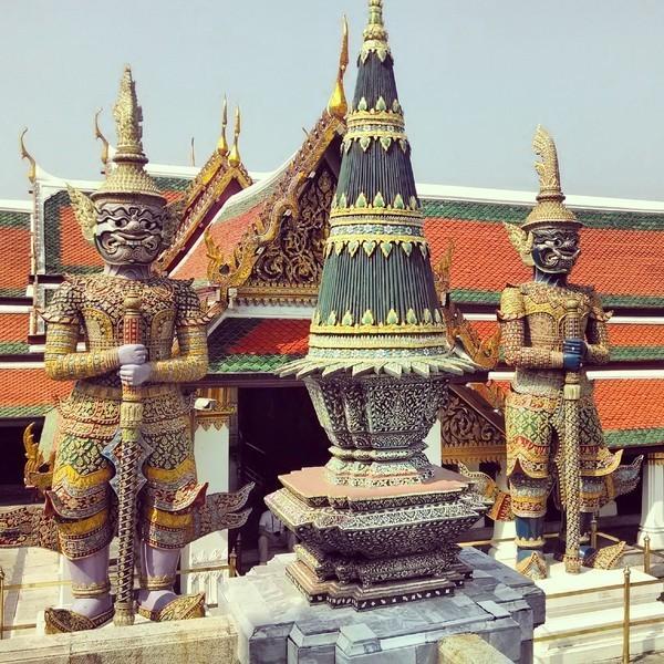 Dentro do Grand Palace