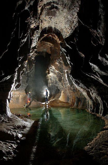 Falando de viagem kayke blogs as 15 cavernas mais for Alberca cristal londres